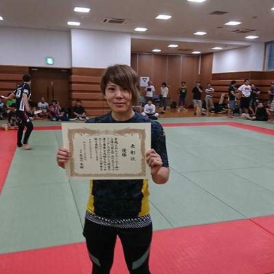 奈部ゆかり選手、品川区グラップリングにてチョークで一本勝ち!