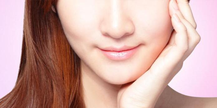 Trik Menyiasati Bibir Kering Saat Puasa
