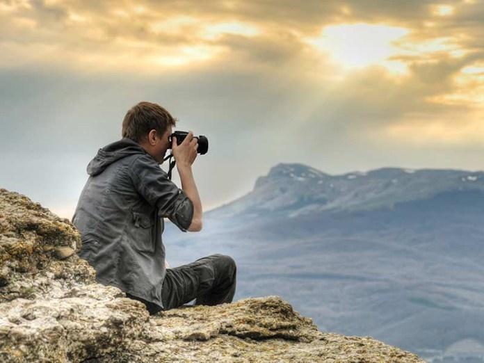 Daftar Kamera Terbaik di 2019 untuk Fotografi Alam Liar, Hasilnya Dijamin Kece