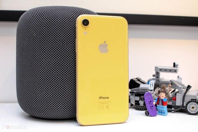 Rekomendasi iPhone Anti Air Terbaik 2019 yang Ideal untuk Aktivitas Outdoor