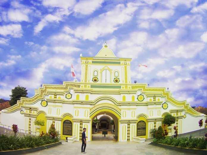 Wisata Masjid Agung Sumenep
