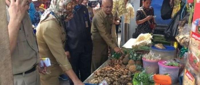 Hati-Hati! Banyak Makanan Berformalin dan Boraks di Pasar Indralaya