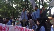 Permalink to Massa Demo Sidang Komisioner KPU Palembang