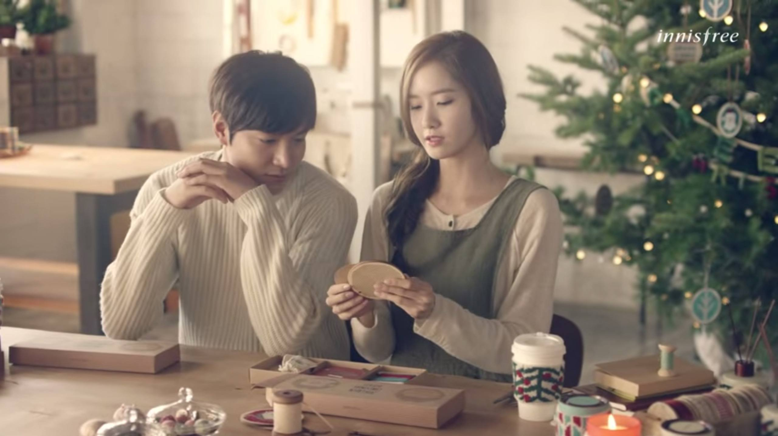 Yoona and Lee Minho Innisfree Green Christmas