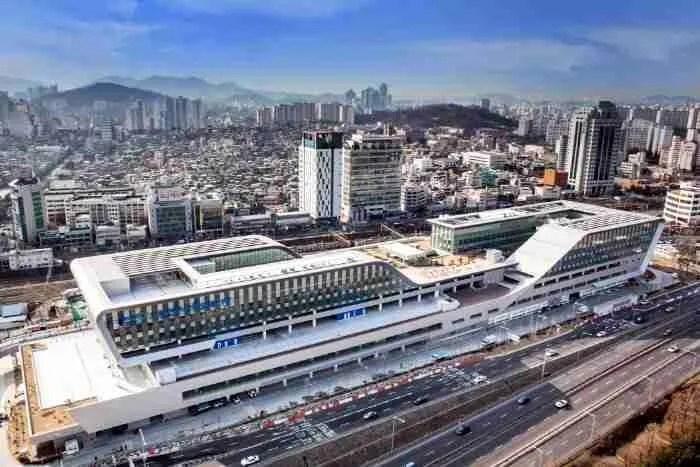 New Noryangjing. From Korea Tourism Organization.