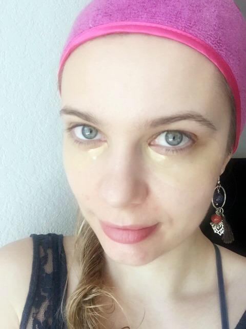 Berrisom placenta firming hydrogel eye patch