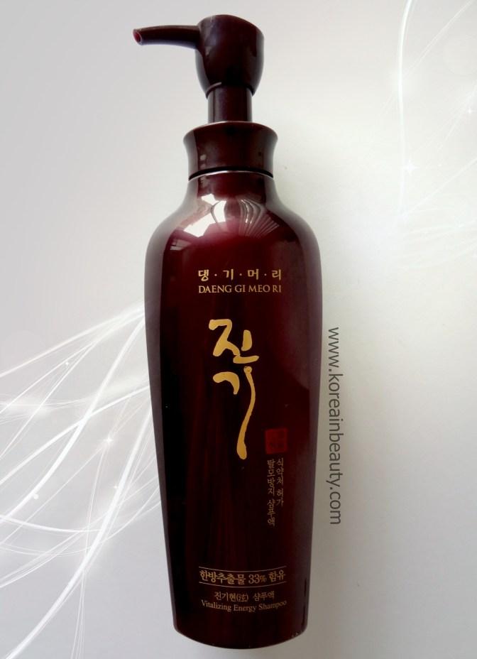DaengGiMeoRi vitalising ginseng shampoo