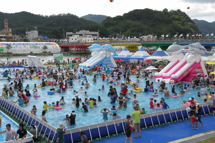 Festival de l'eau de Jeongnamjin à Jangheung (정남진장흥물축제)