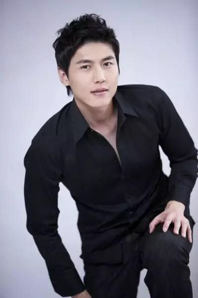 Song-Jae-Hee-4
