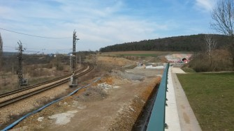 Západní portál Ejpovického tunelu - vpravo budoucí koleje - vlevo staré koleje přes Bukovec, Chrást
