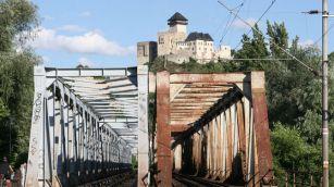 Starý most s výhľadom na hrad by mal byť miestom promenád. zdroj.: http://www.pluska.sk/