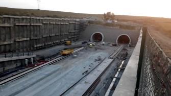 Plzeňský uzel 29.8.2018 Ejpovický tunel - vjjezdové portály (směr Praha) (Autor: Luboš Sládek, koridory.cz)