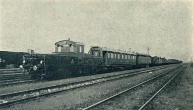 Posunování E 407.001 na nuselském nádraží (Český svět 1926).