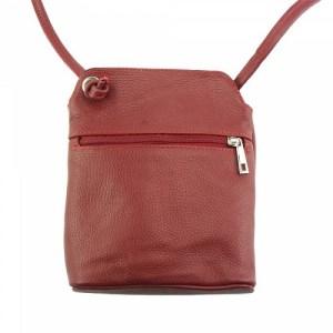 punainenlaukku-takaa