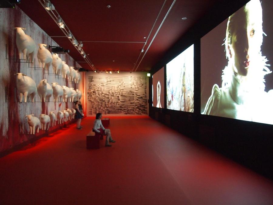 Вид экспозиции, проект Послушание, 2015, Еврейский музей, Берлин. Кураторы -Саксия Боддек и Питер Гринуэй. Фото-Павел Гудимов (3)