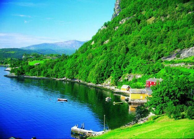 Stunning Iceland, Norway, England and Scotland Kosher Cruise