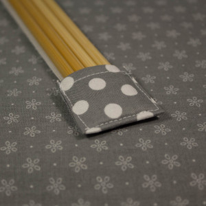 Double pointed Knitting Needle Holder, Gray with White Polka Dots