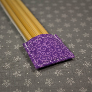 Double Pointed Knitting Needle Holder, Purple with Lavender Swirls