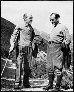 Ο Νίκος Καρβούνης μαζί με τον Δημήτρη Χατζή στα βουνά της Ελεύθερης Ελλάδας