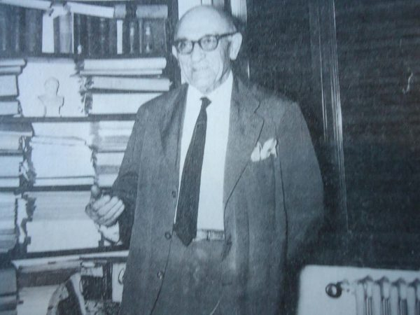 Ο Νίκος Κιτσίκης το 1964