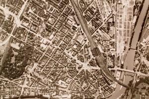 19607