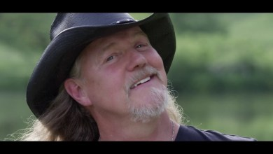 Photo of Trace Adkins – Mind On Fishin' Lyrics