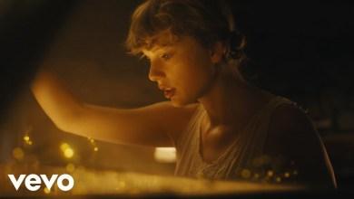 Photo of Taylor Swift – Cardigan Lyrics