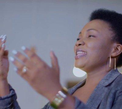 Neema Cizungu Ft Martha Mwaipaja – NILIBAKI NA WEWE