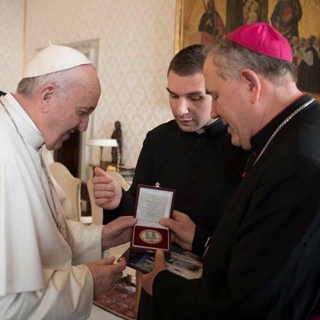 Papa Franjo se susreo sbiskupima Crne Gore, Srbije, Makedonije iKosova
