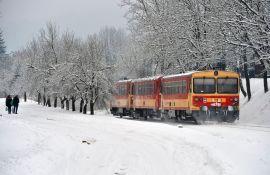 Acsa, 2017. január 13. Bz sorozatú motorvonat halad Acsa-Erdõkürt állomás és Püspökhatvan között 2017. január 13-án. MTI Fotó: Máthé Zoltán