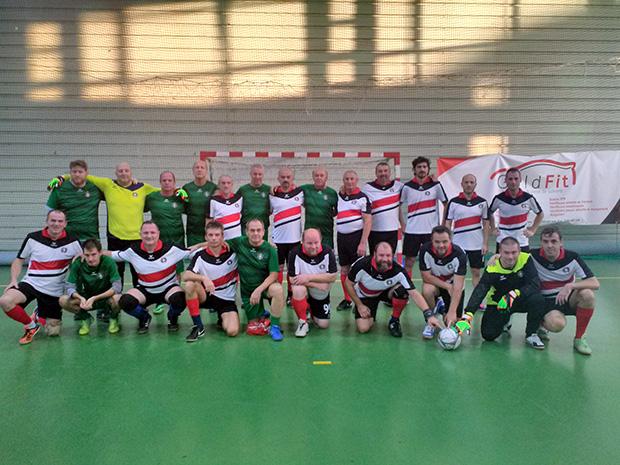 a-pressing-es-a-magyar-sportujsagirok-kozos-fotoja