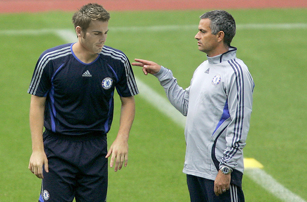 Chelsea's Mourinho speaks to Terry during training session in Sofia