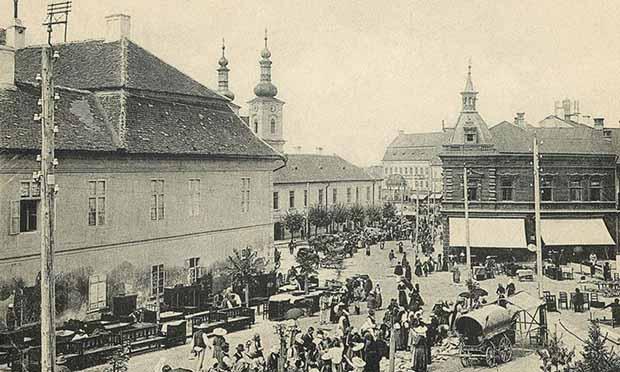 Bútor vásár,jobbra az Europa kávéház,1907