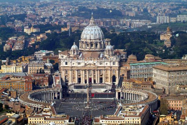 In this photo released by Italian Polizia Moderna police magazine staff, an aerial view of the St. Peter's Basilica and square at the Vatican Thursday April 7, 2005, ahead of Pope John Paul II's funeral scheduled for Friday April 8, 2005.(AP Photo/Polizia Moderna, HO)