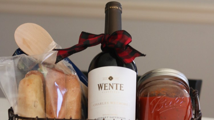 How to create the perfect gift to take to a holiday party