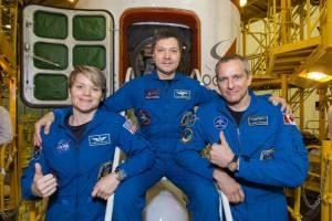 ISS Exp 58 - Dos astronautas más obtienen licencias de radioaficionado