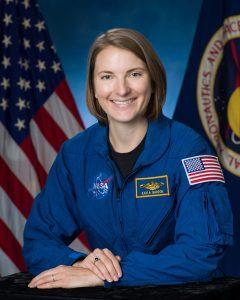 """kayla barron astronauta scaled - Se transmitira amateur radio Slow Scan Television """"SSTV"""" desde la Estación Espacial"""