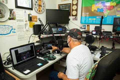 20210604 HERALD radioaficionados utuado 9 - El huracán María incomunicó a un pueblo de Puerto Rico. Un radioaficionado encontró la salida