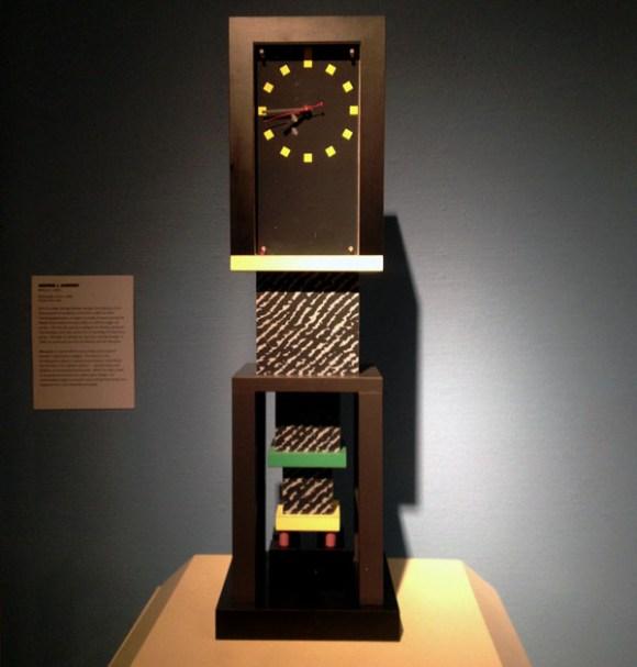 Memphis-Milano-George-S-Dowden-Metropole-Clock-1982