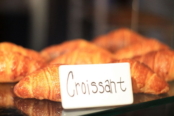 Tart-Memphis-Croissant