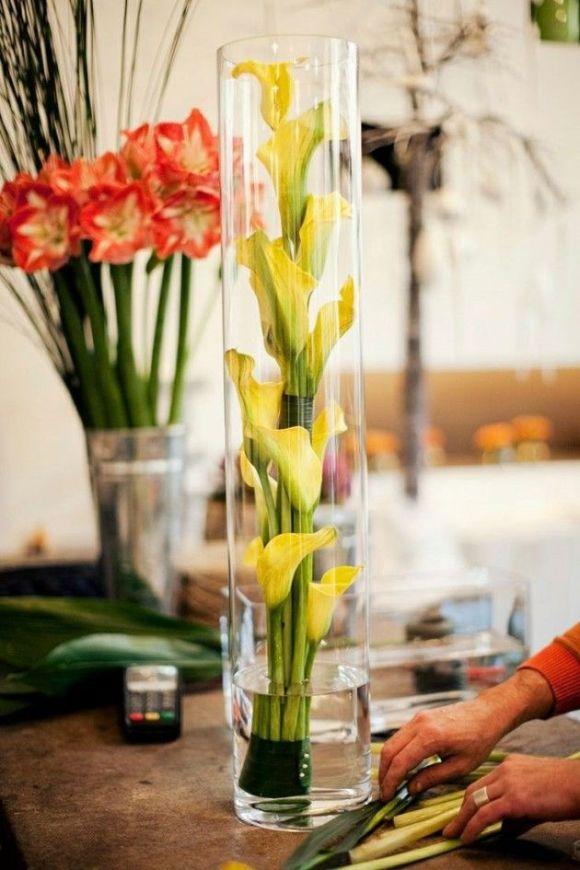 floral-arrangements-hurricane-glass
