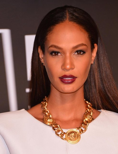 Joan Smalls Bordeaux Lips VMAs
