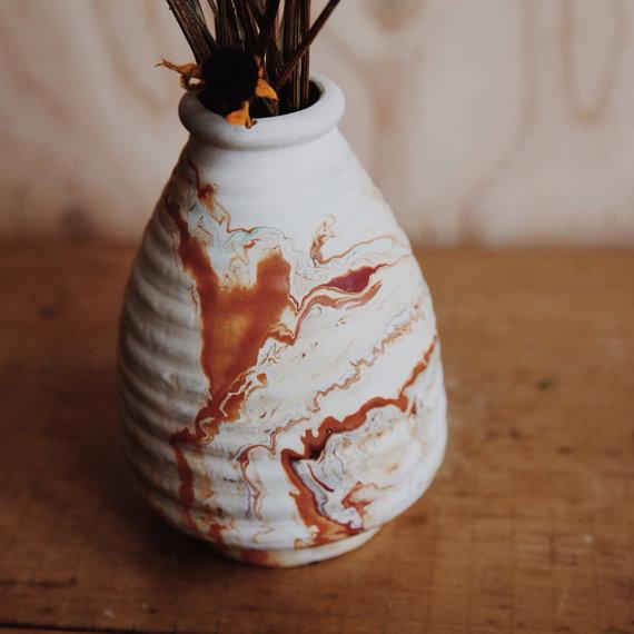 HawkeyeandTrapper Vintage Beehive Nemadji Pottery Vase in Marigold