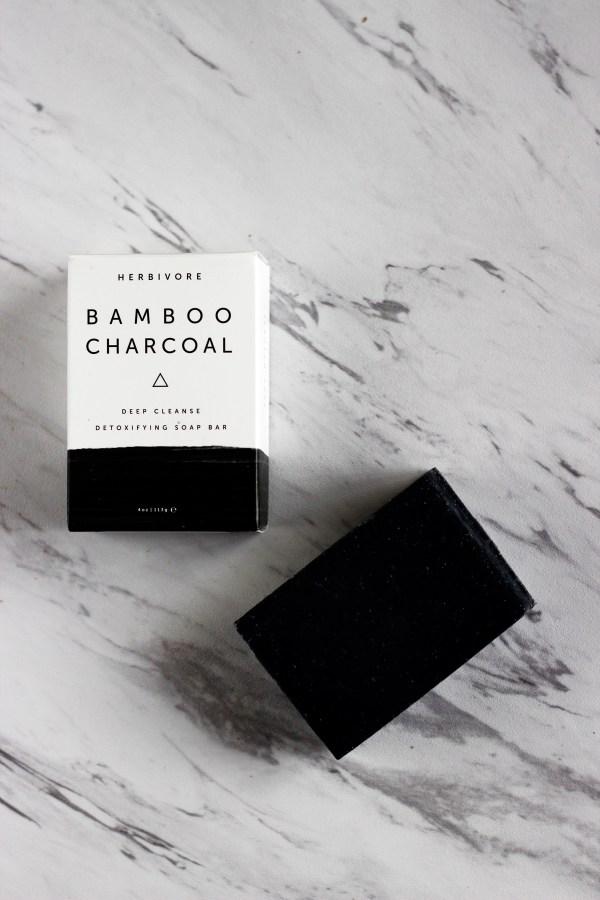 Herbivore-Banboo-Charcoal-Soap3