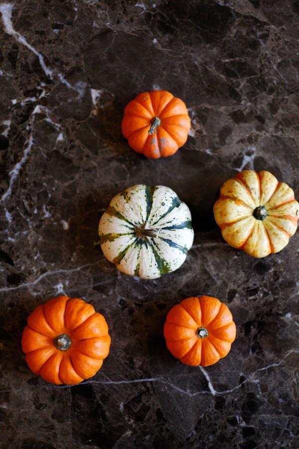 simple-pumpkin-centerpiece