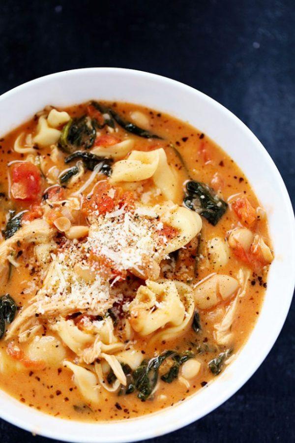 creamy-tuscan-garlic-tortellini-soup