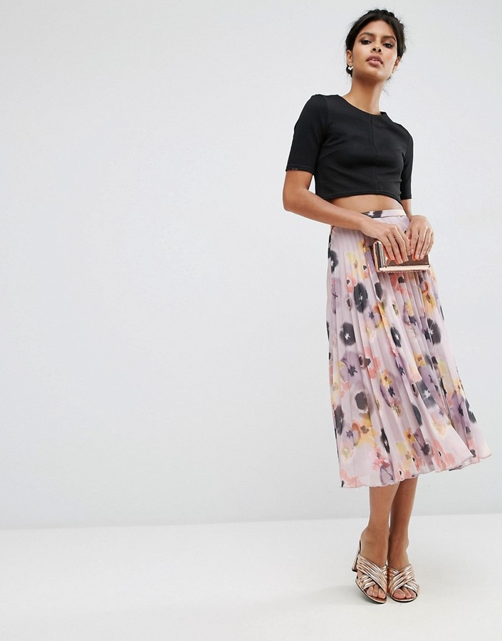 Chic Skirt Looks to Copy this Spring