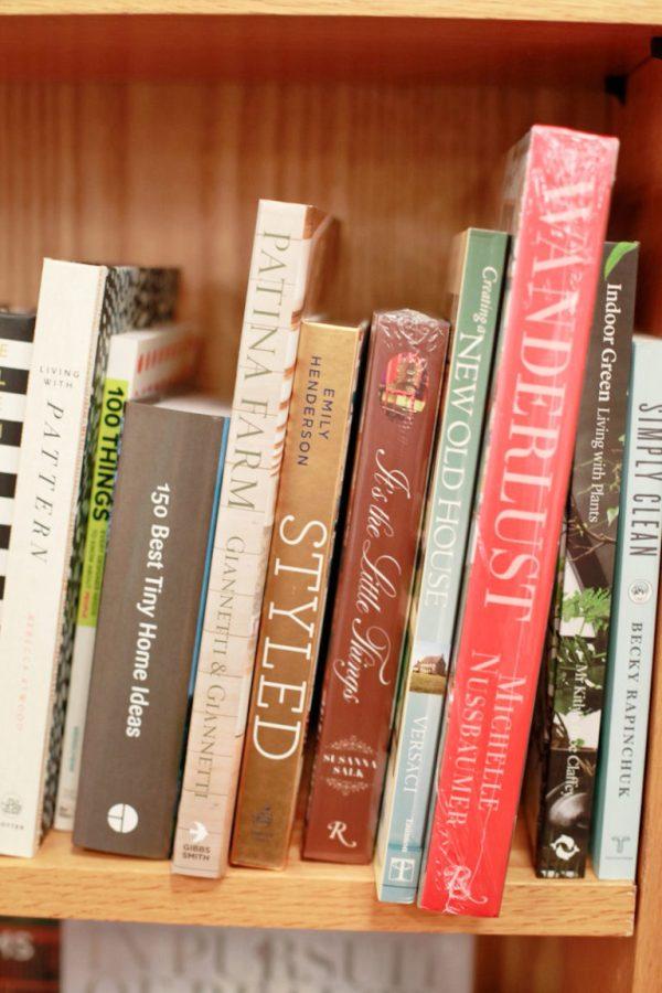 Novel. Bookstore Memphis