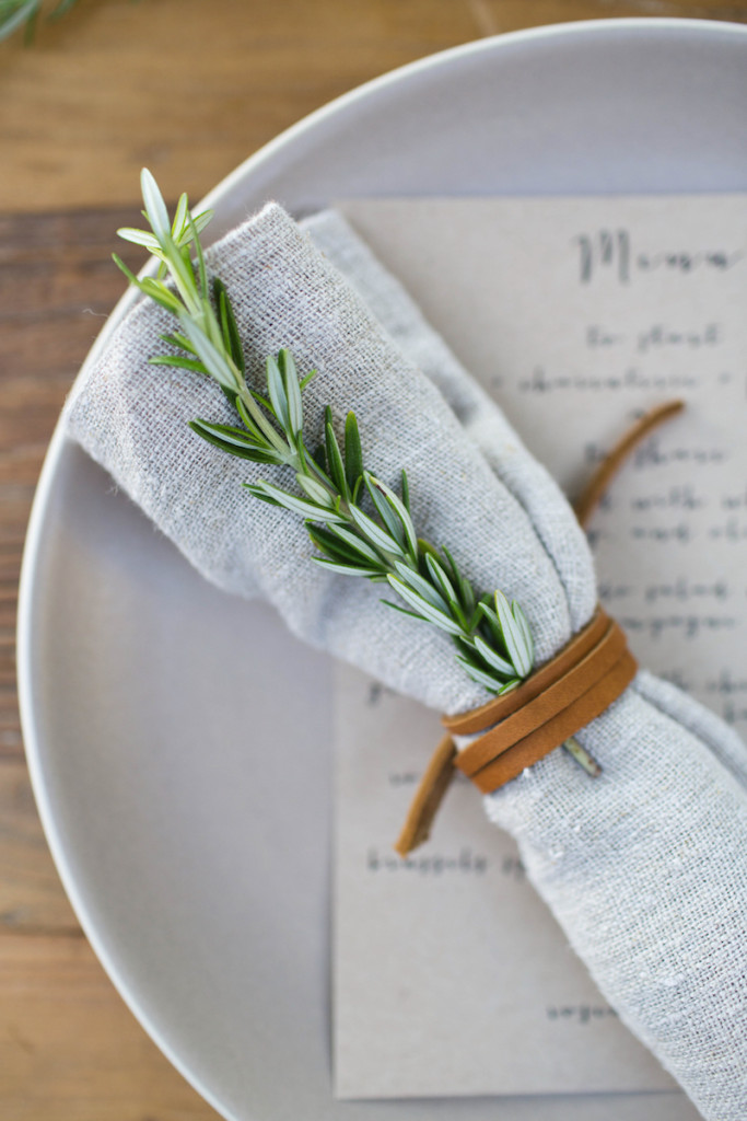 9 Simple Thanksgiving Tablescape Ideas