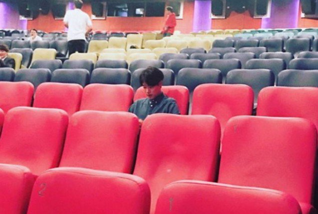 Ryu Joon Yeol Watching Movie on Chuseok